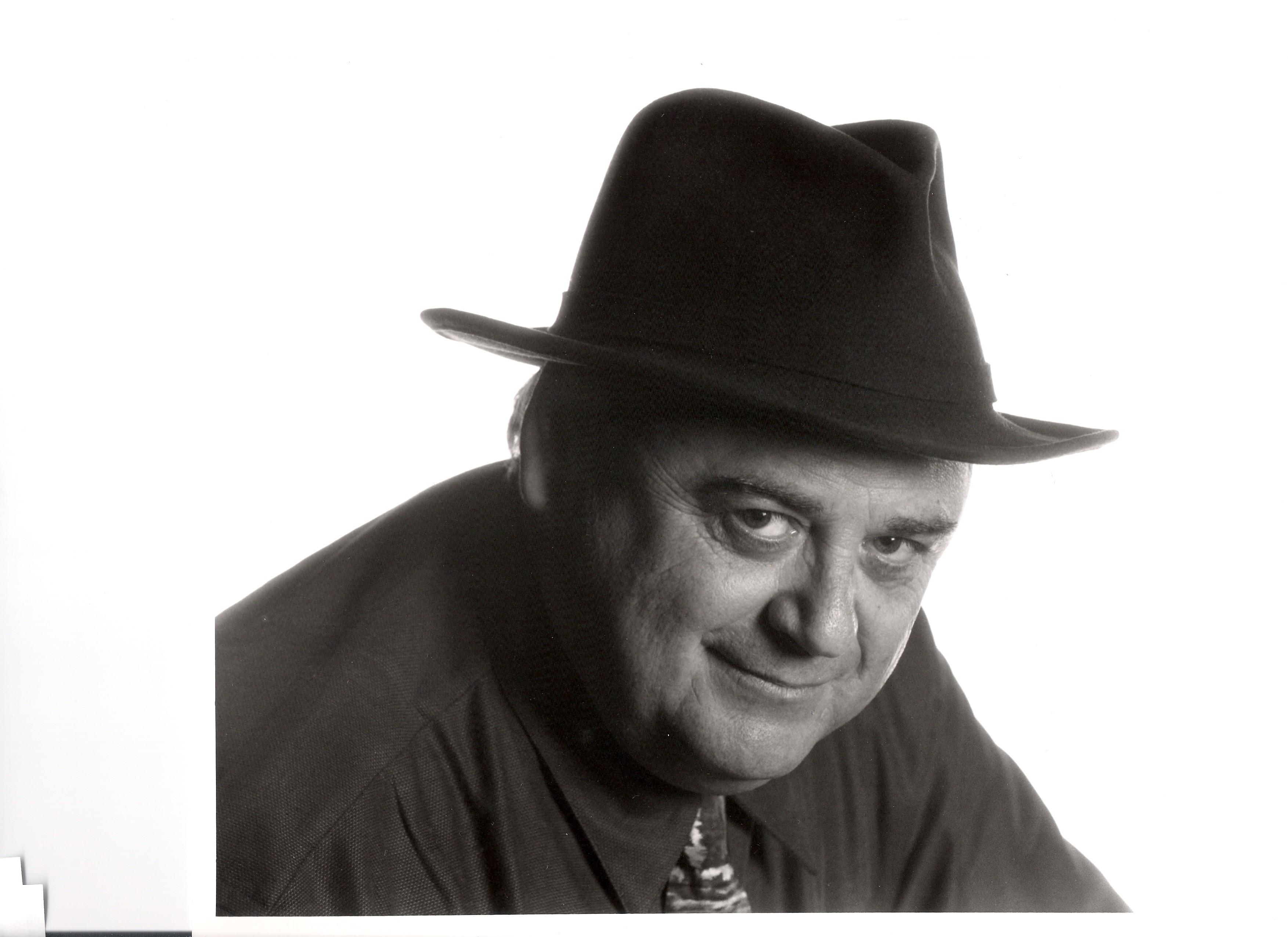Hilton Manfred Obenzinger